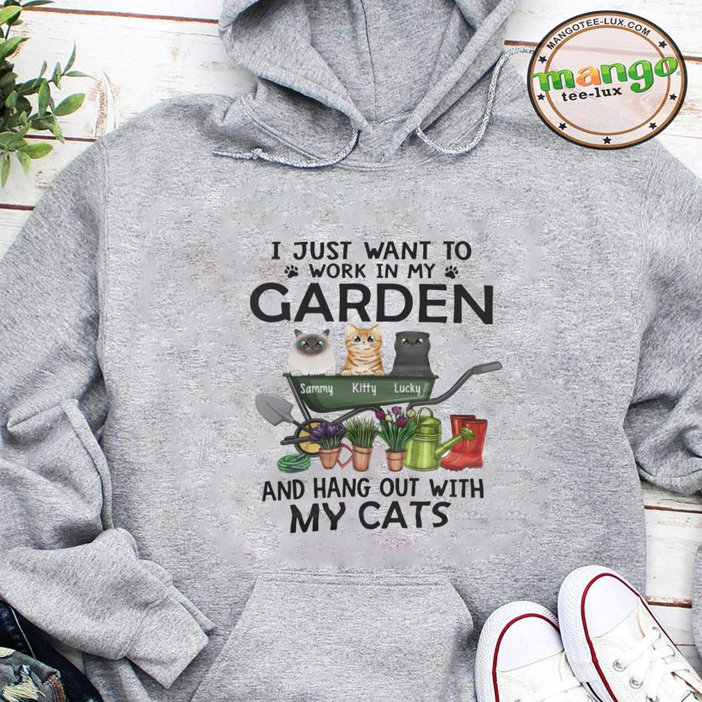 I just want to work in my garden and hang out with my cats